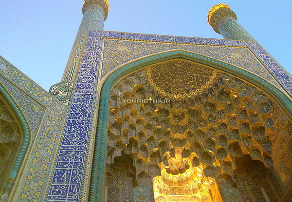 ورودی مسجد جامع عباسی