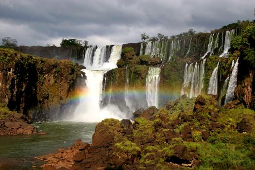 iguazu-falls-rainbow