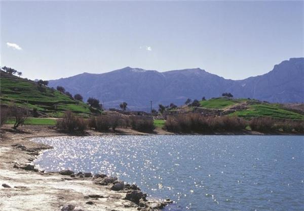 دریاچه رنگها در شهرستان بهمئی