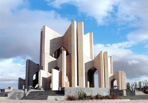 شمس و شهریار ستارگان درخشان آذربایجان