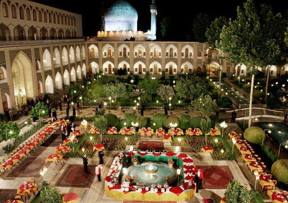 کاروانسرای عباسی، کهنترین هتل ایران
