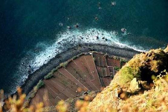 منظره هوایی از جاده پلکانی