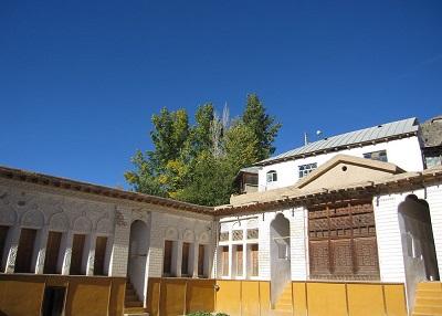 خانه یوشیج