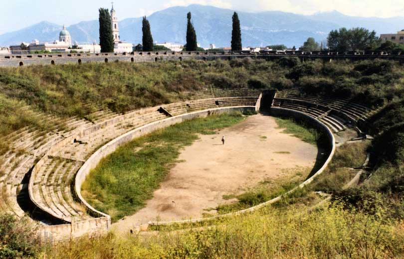 آمفی تئاتر اسپکتاکولا-pompeii_spectacula
