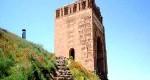 محوطه باستانی قلعه ضحاک که تنها در بخش  شاه نشین آن کاوش شده است